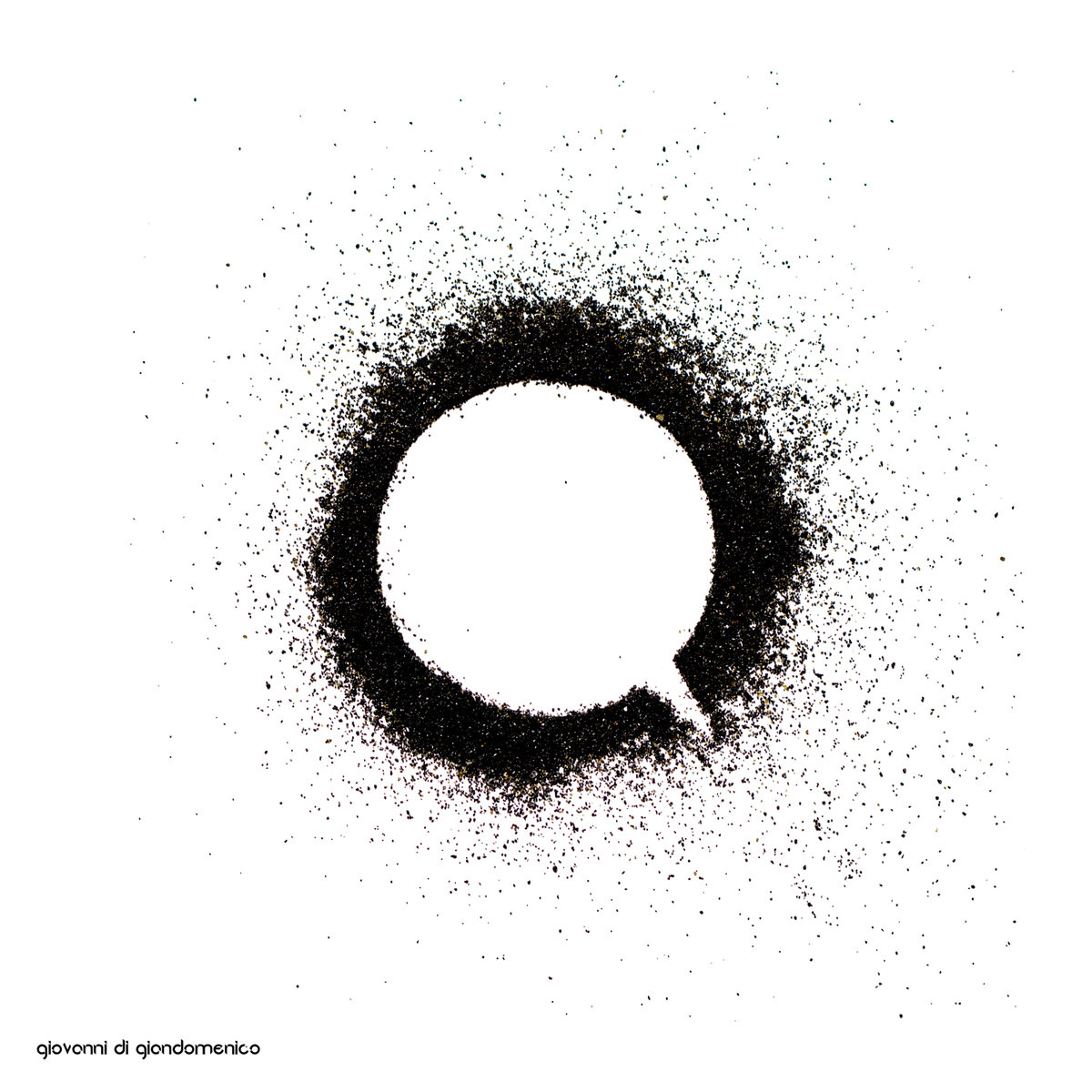 "Giovanni Di Giandomenico: ""Q"". Electronic music album // Almendra Music, contemporary music label from multicultural Sicily"